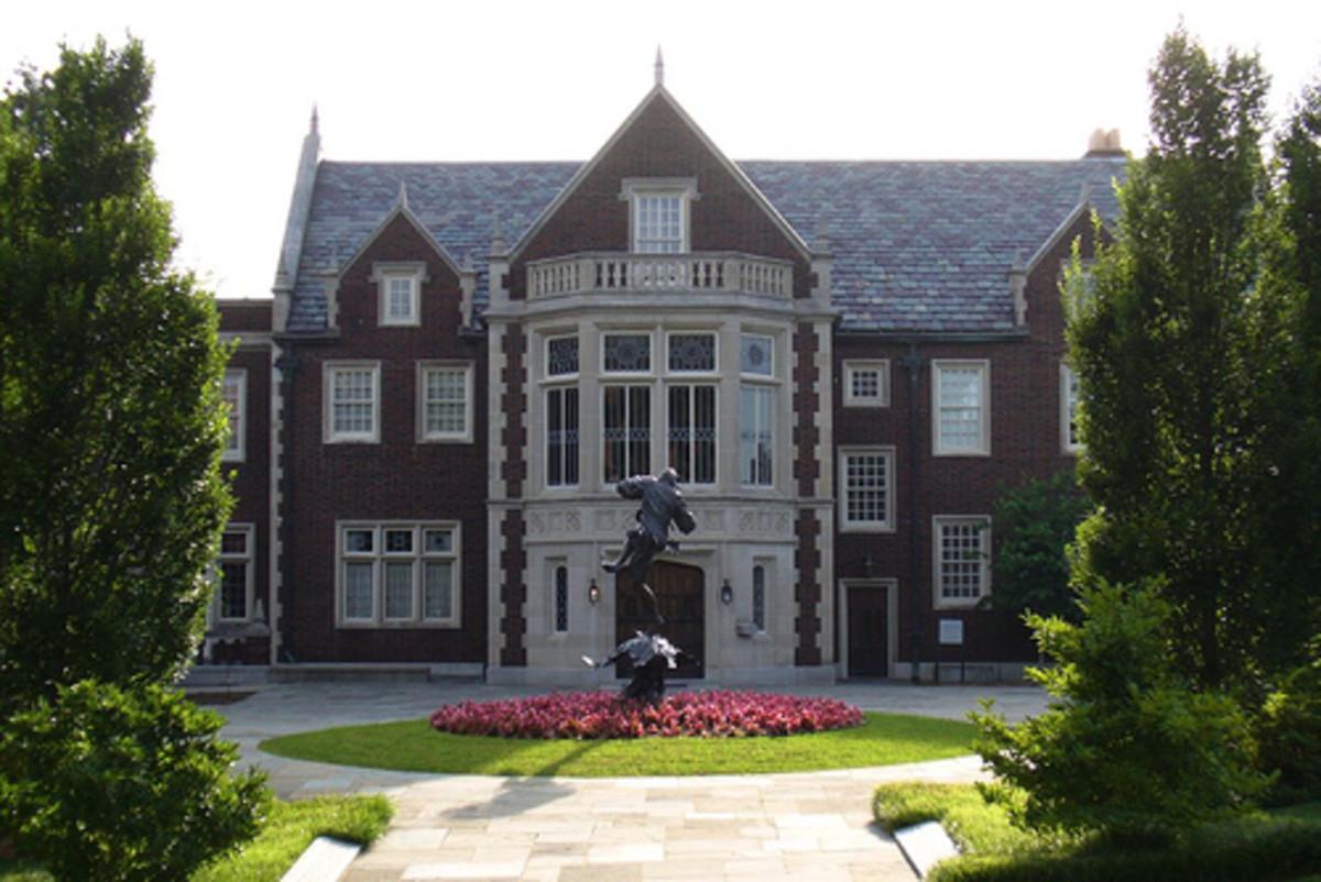 Tulsa Landmarks: The Harwelden Mansion