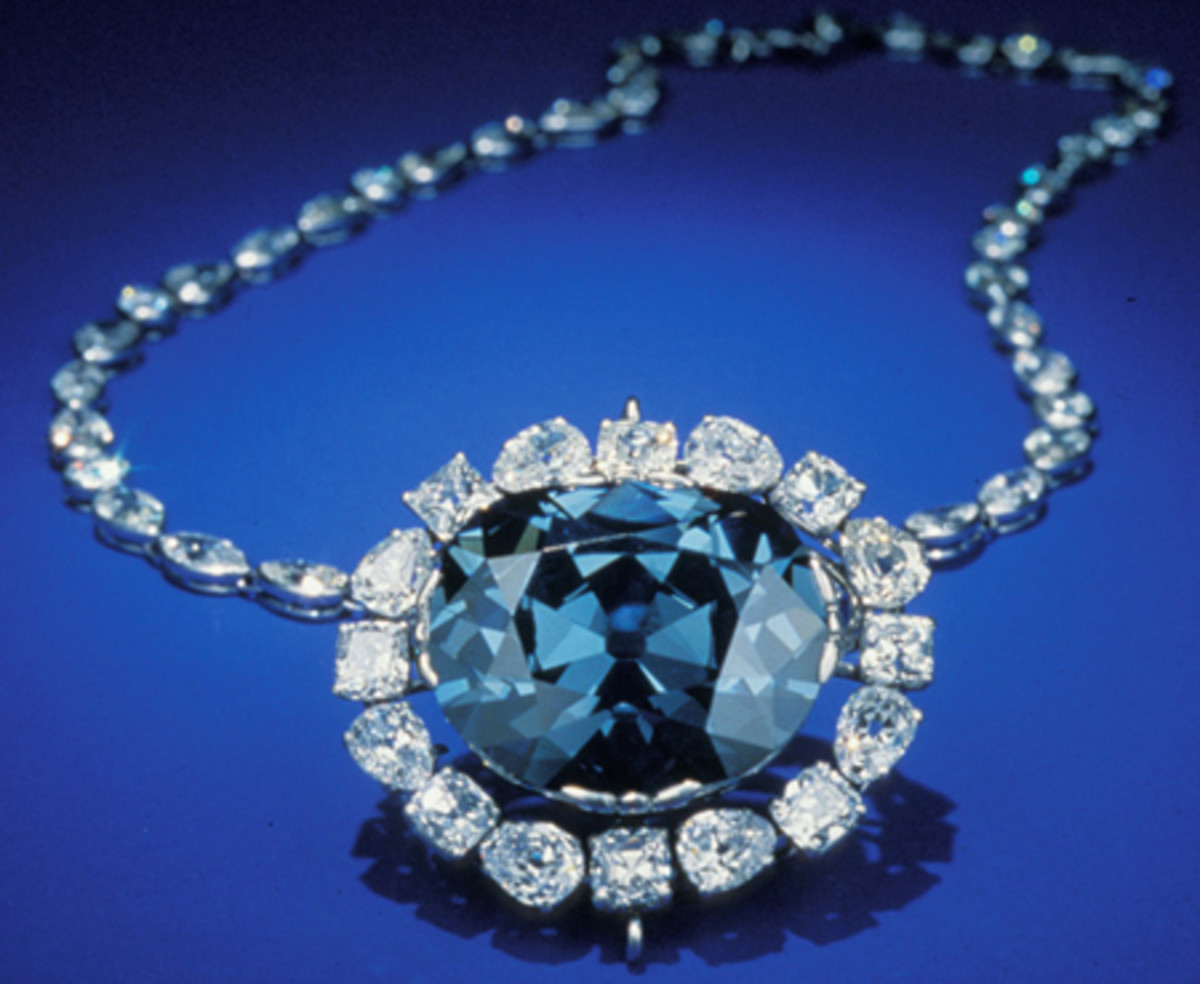 Arguably one of the world's most famous diamonds - The Hope Diamond - from bluediamondsusa.com