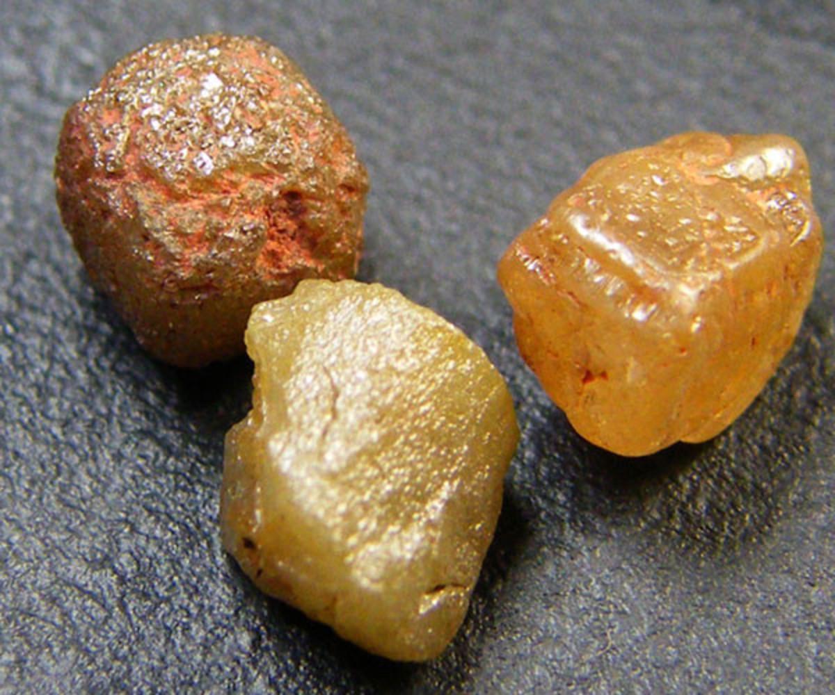 Raw uncut diamonds from gemrockauctions.com
