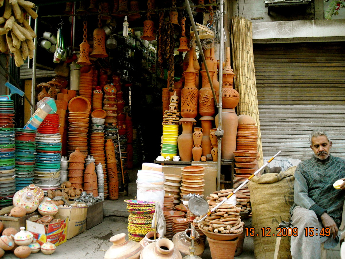 Clay pots and other utensils - once again, hand made!