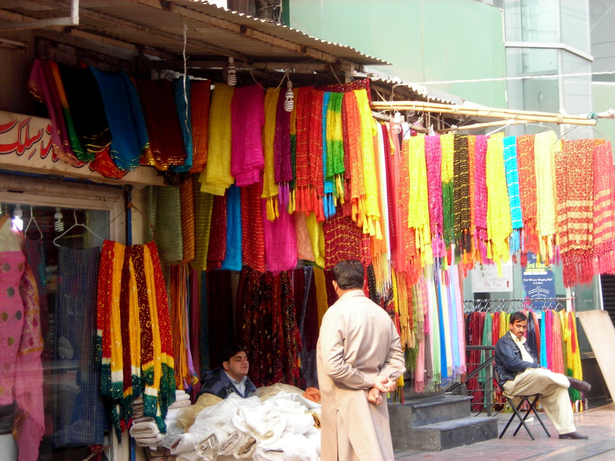 Here the 'cloth' bazaar begins....indian version of our high street boutiques!
