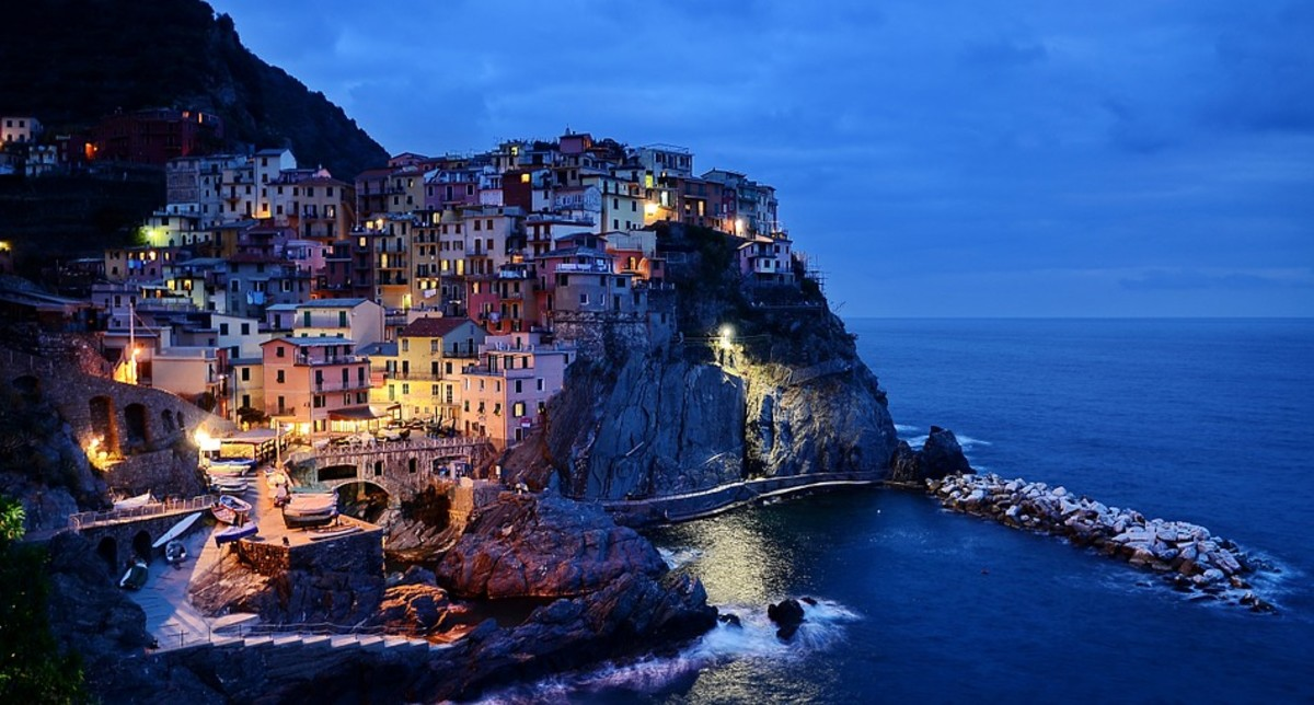 Have you ever been to the coastline of Cinqueterre in Italy? That trip would make an engaging Hub!