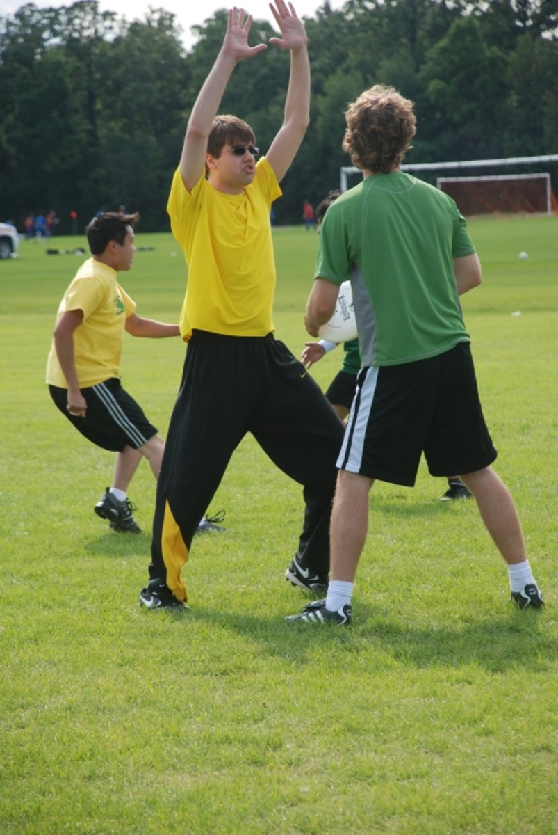 Ultimate Frisbee rules are important to know in order to play well.