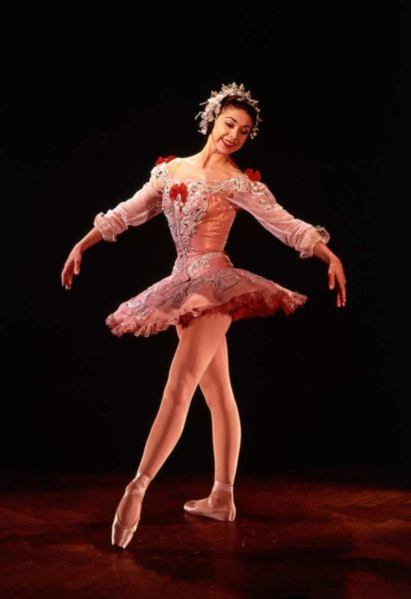 Fonteyn wore Freed pointe shoes