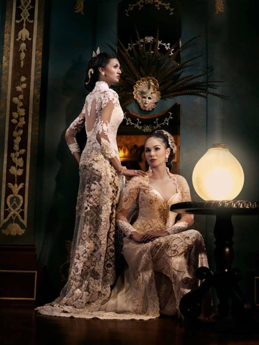Lace, and beads make these two Kebaya look sparkling