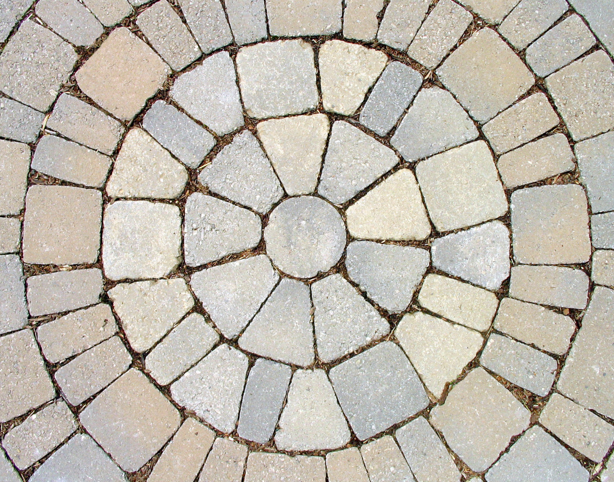 Pavers can be used for patios, flower beds, retaining walls or a combination of these. (Photo courtesy of sxc.hu)
