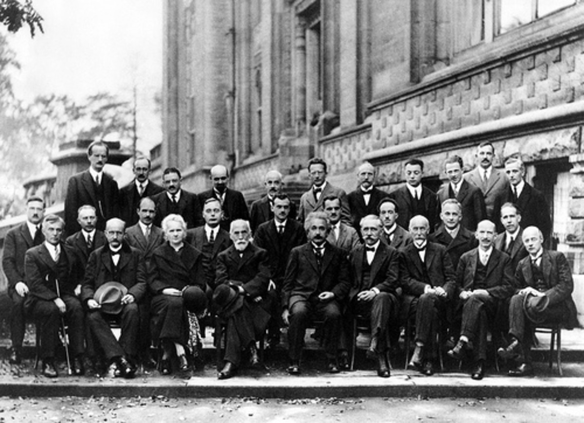 Group photo of some of the top scientists of the 20th century.