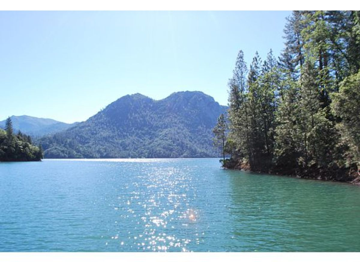 Traveling across Lake Shasta