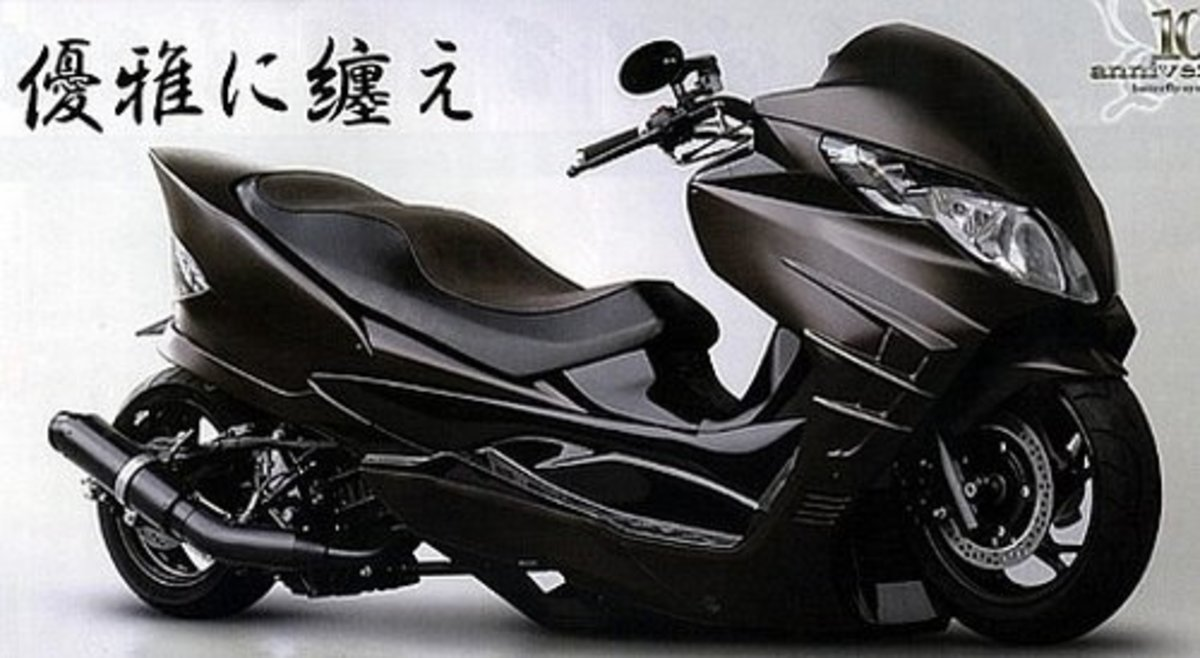"""Modded"" Suzuki Skywaves"