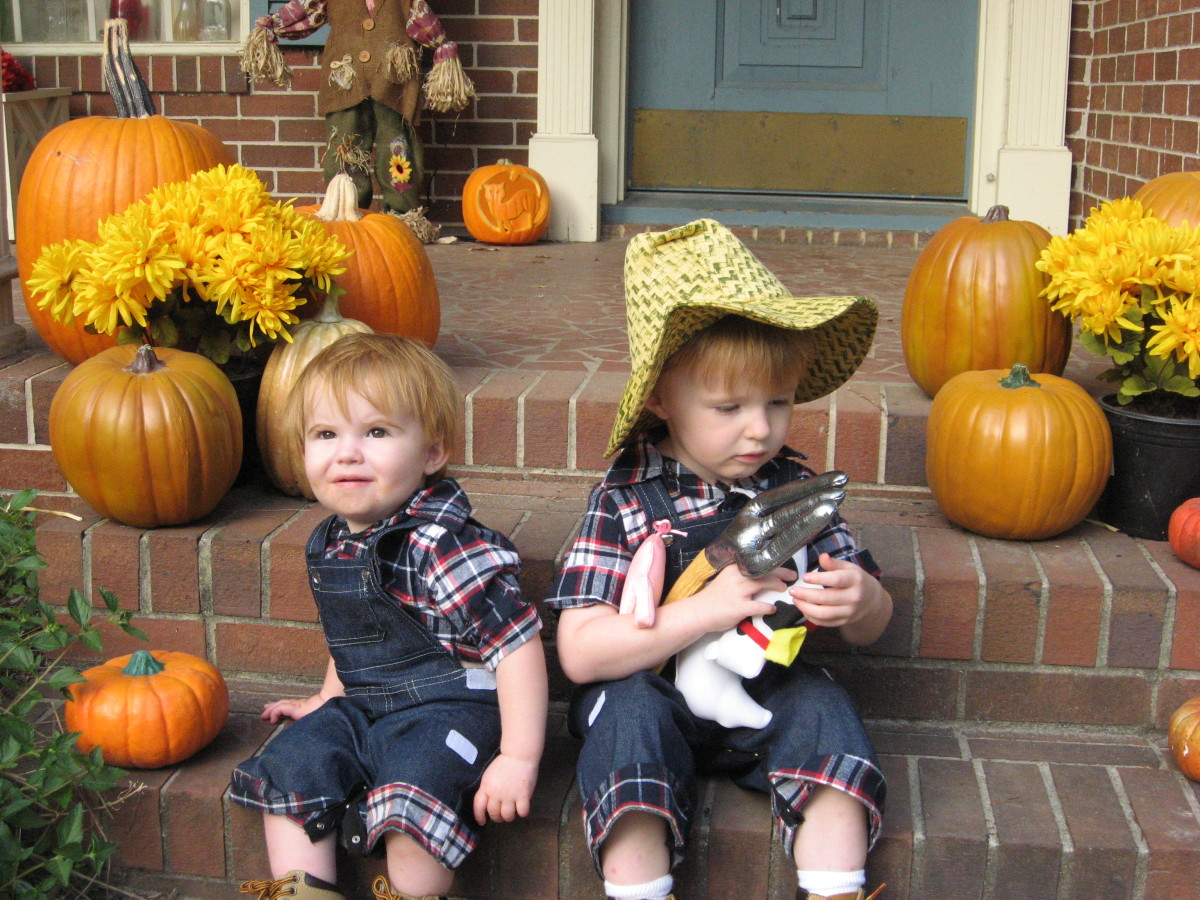 Pumpkins, scarecrows, and grandkids - oh, my!