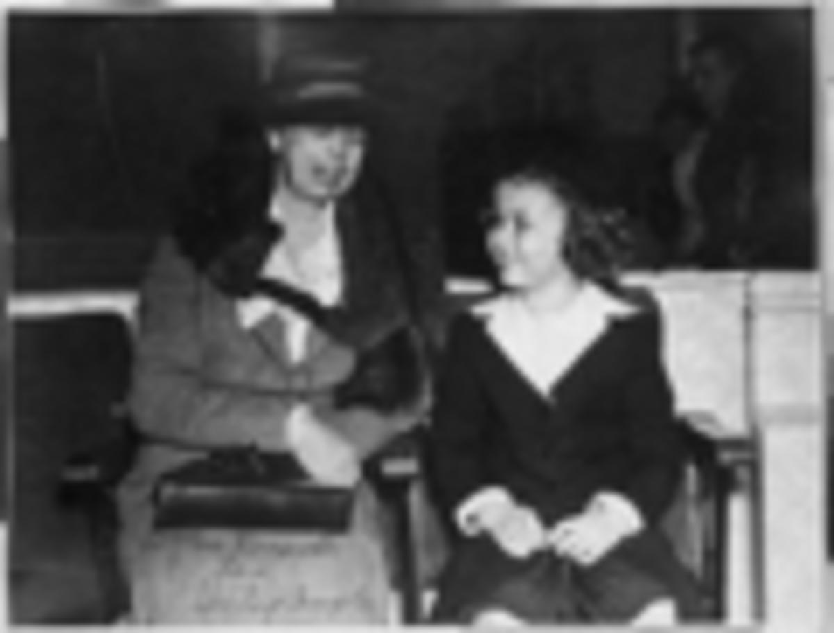 Shirley Temople with Eleanor Roosevelt