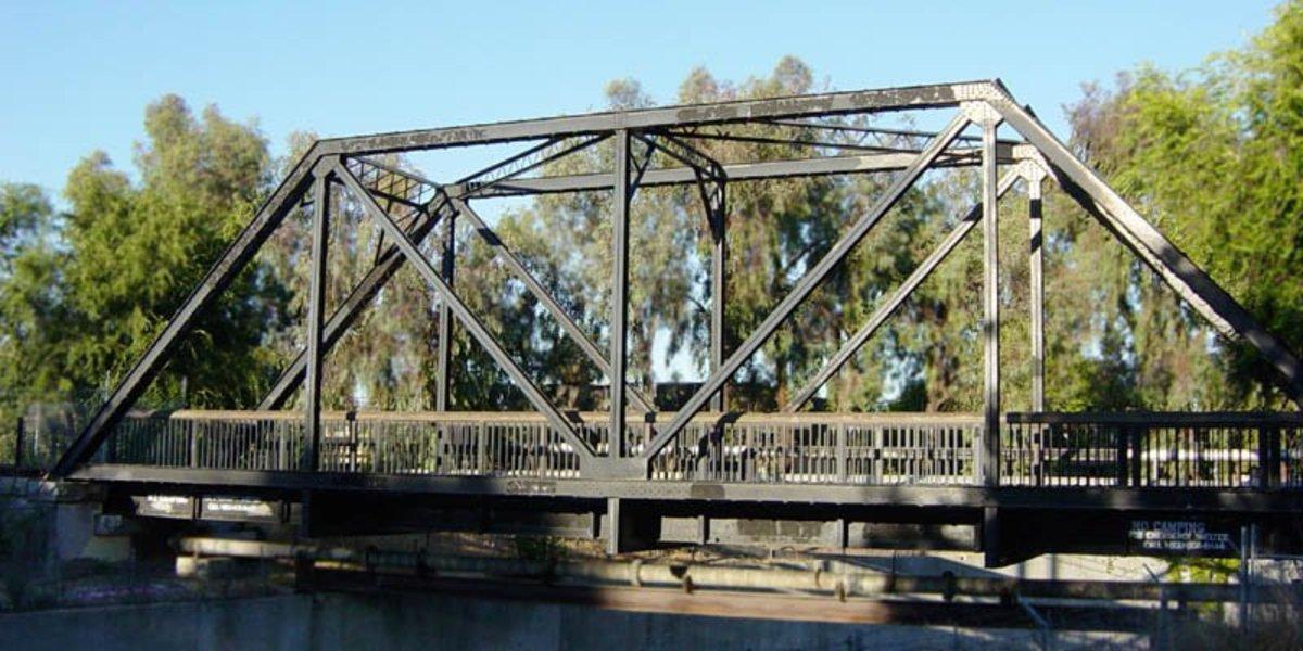 A simple Truss Bridge.