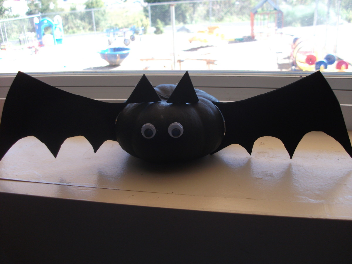 Bat pumpkin decoration idea from FamilyFun.com