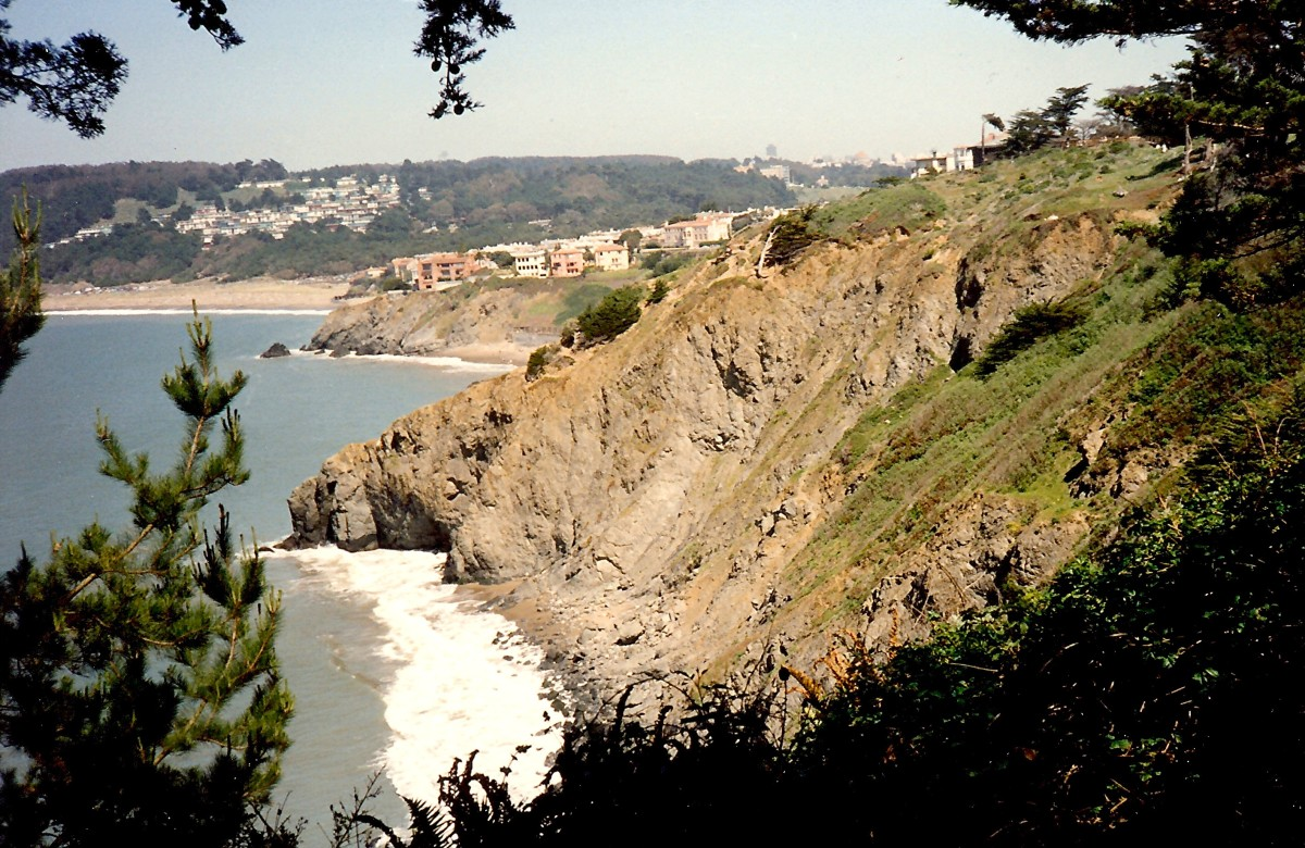 Pictures of Ocean Beach Trail to Cliff House and Sutro Baths Ruins in San Francisco