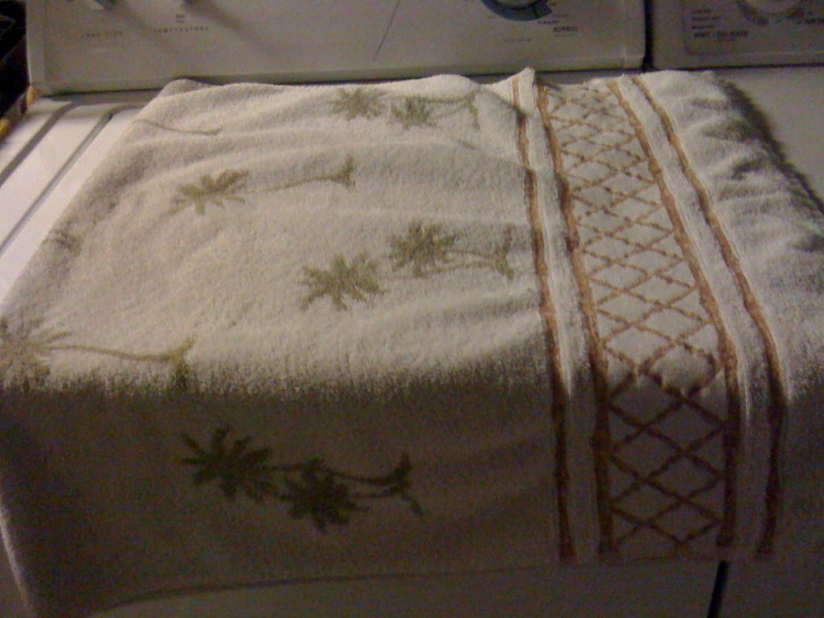 How To Fold Towels Neatly Like A Professional