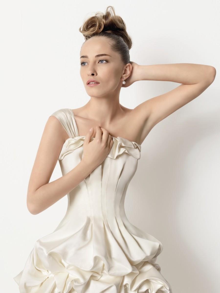 Designer Rosa Clara,  Inicio/lacroix 2011/TANGO