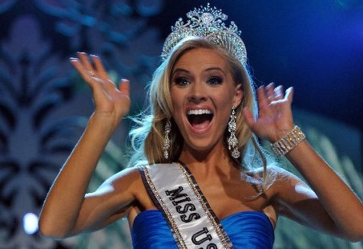 2009 Miss USA Kirsten Dalton's Diamond Nexus Labs Crown