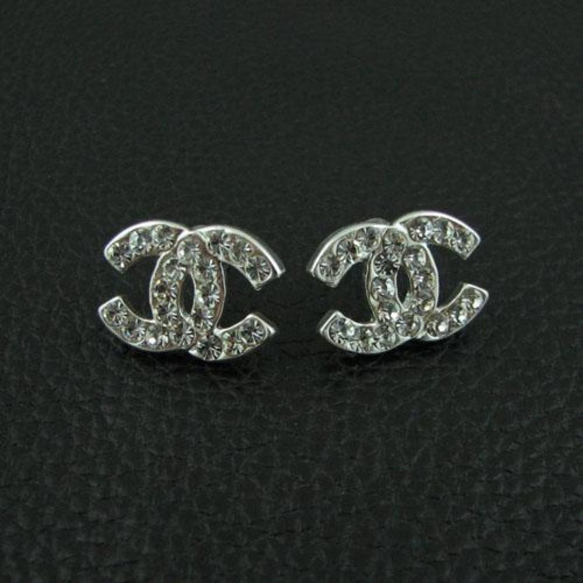example of faux Chanel earrings with the classic CC monogram