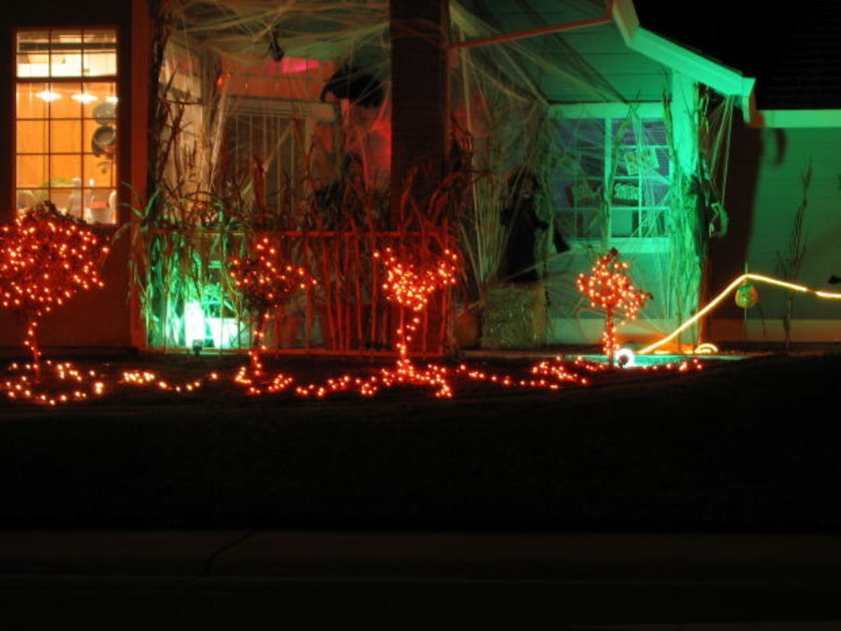 Halloween yard decorations, mp3dude, morguefile.com