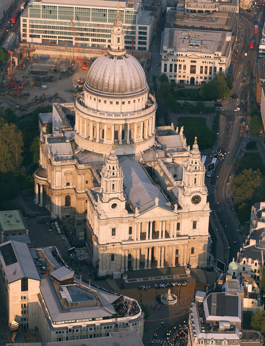 ST PAUL'S CATHEDRAL OF LONDON DESIGNED BY CHRISTOPHER WREN