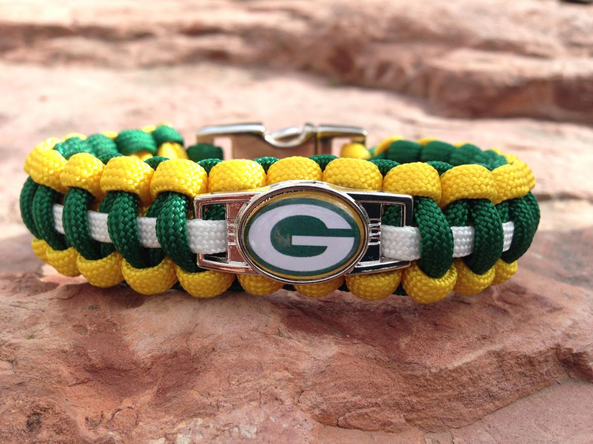 Hand Made by Heroes Football Fan Gift - Green Bay logo bracelet
