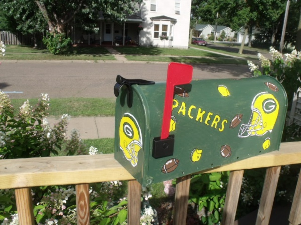 Frugal Gift Idea - Hand Made Football Fan gift idea - Green Bay Packer mail box