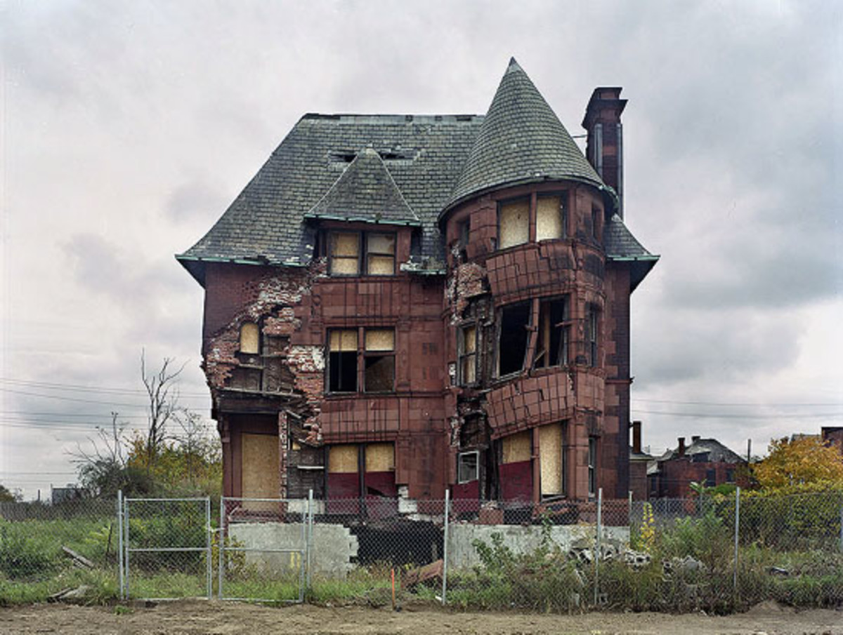 A GRAND OLD DETROIT HOUSE