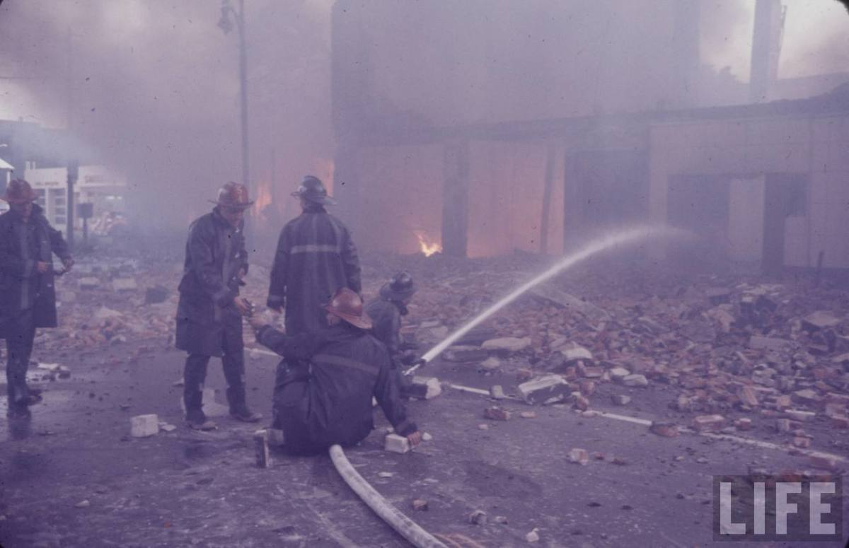 FIREFIGHTERS PUT OUT THE FIRES IN 1967 DETROIT