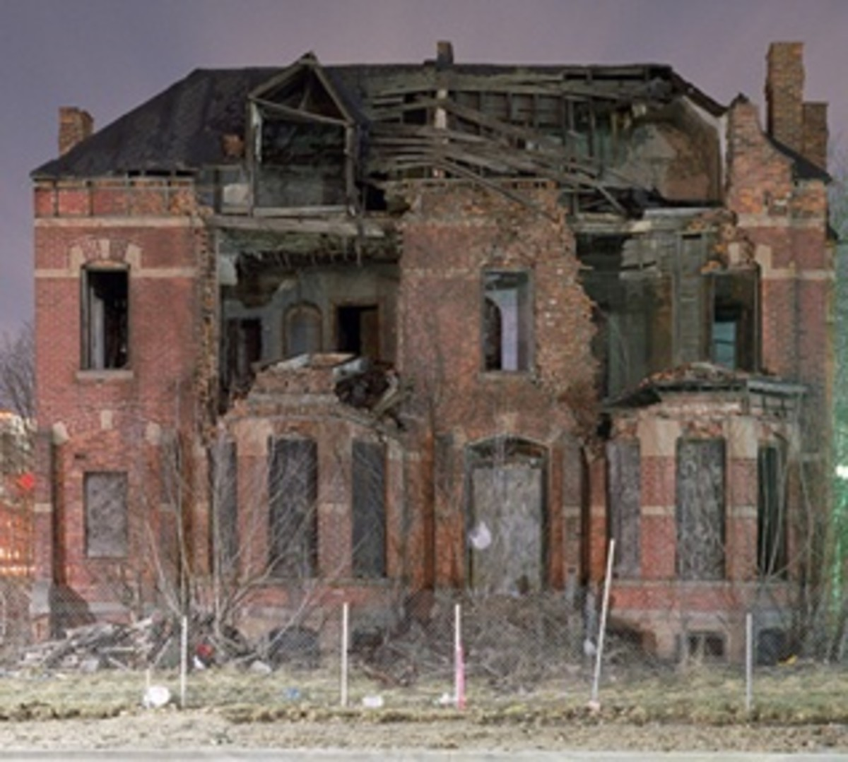 URBAN DECAY IN DETROIT