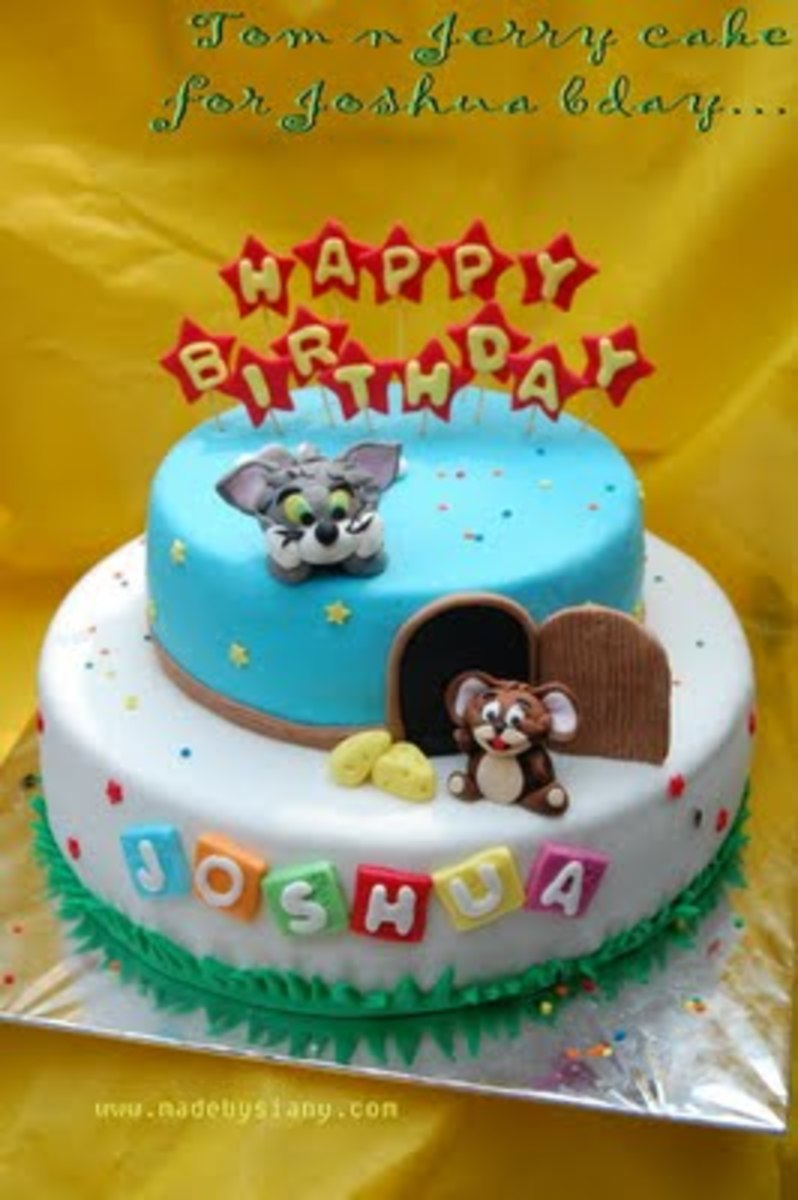 Cute Tom and Jerry cake. I couldn't really understand the post in the link shown, but hopefully you guys will fare better in understanding the recipe more than me.
