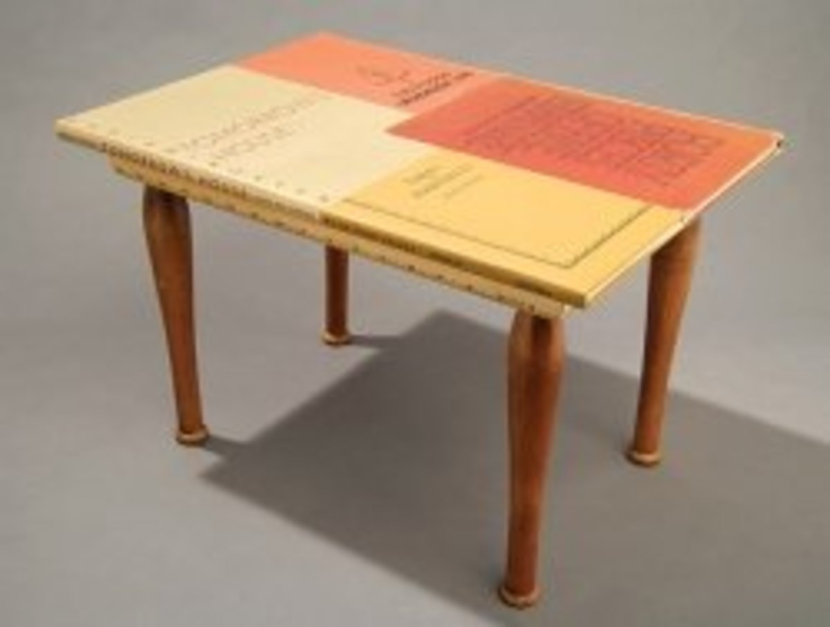 Reader's Table from thisintothat.com