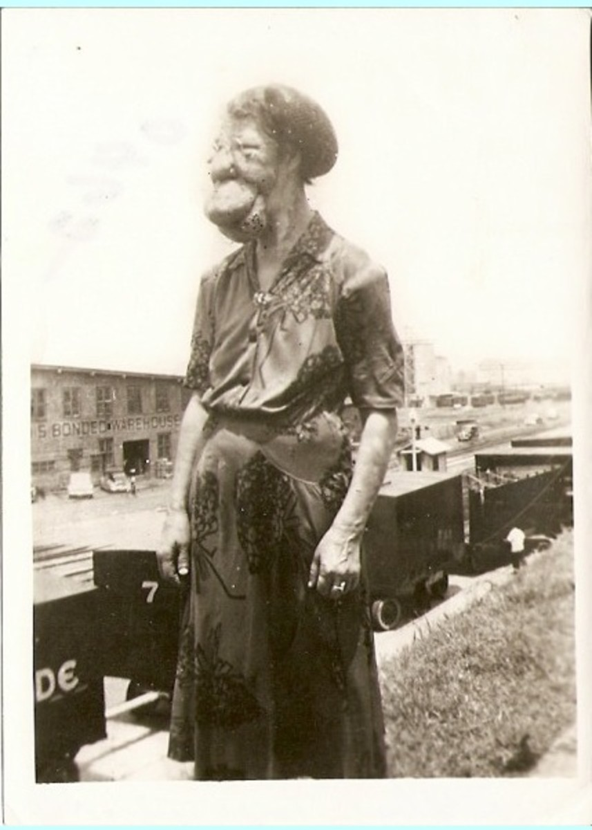 THE MULE FACED WOMAN