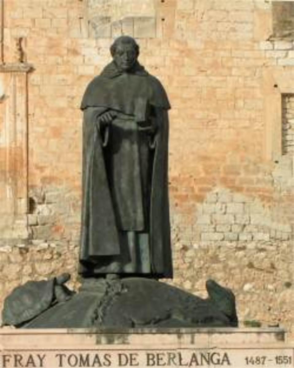 Statue of Fray Toms in Berlanga de Duero, source: Wikipedia