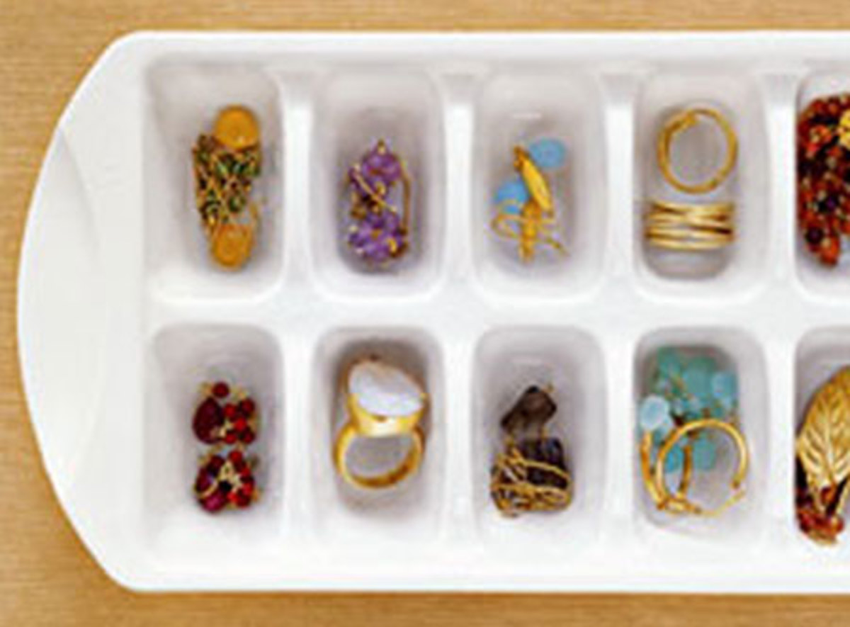 Idea#2: Storing rings in trays with compartments