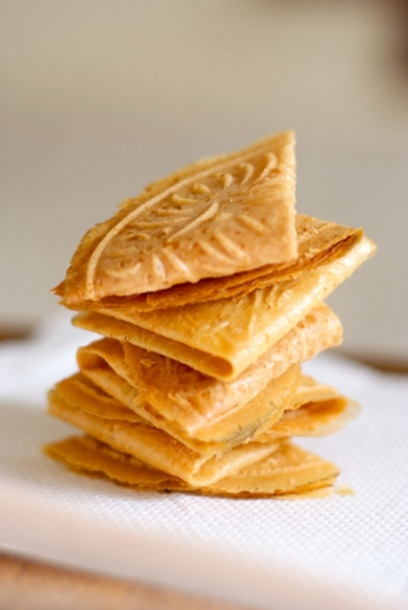 Kueh Kapek (also called Love Letters). Image: Lai Seet Ying|Shutterstock.com