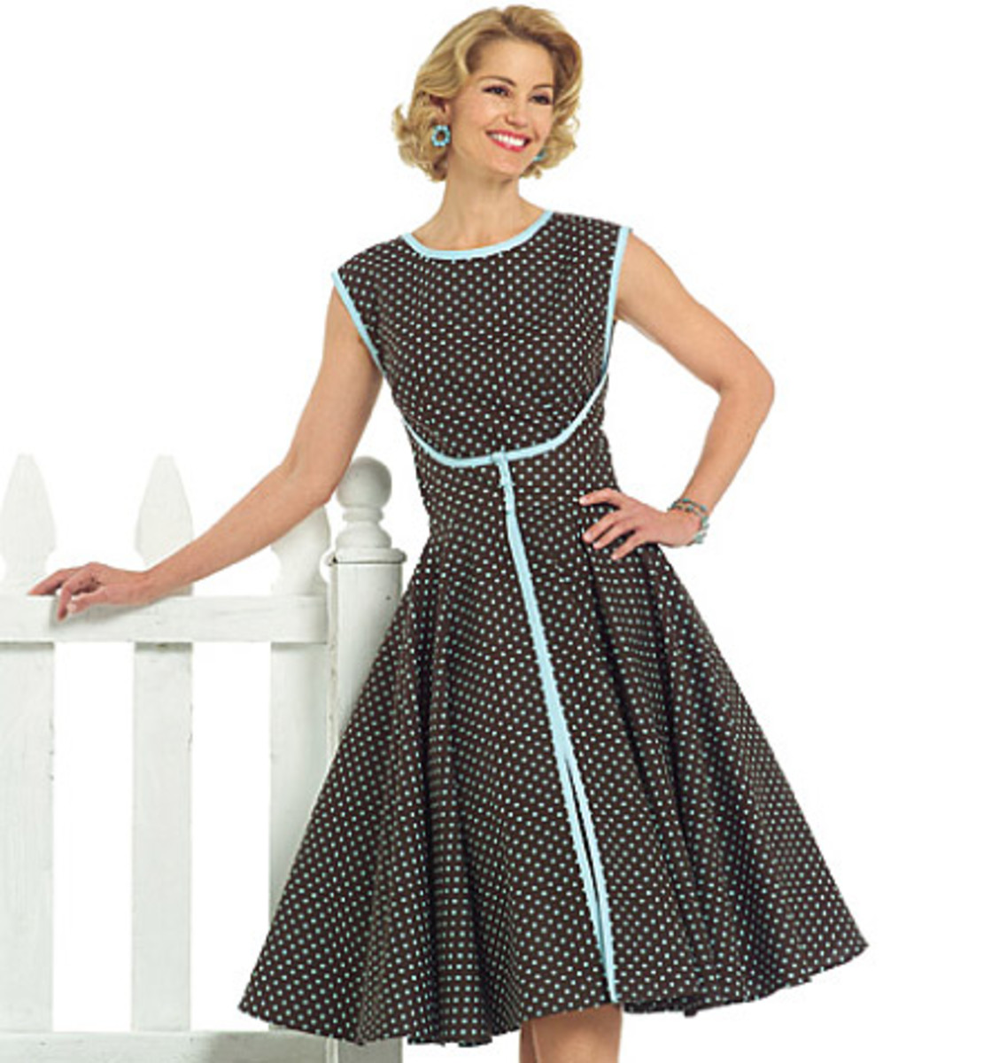 Look for Butterick 4790 if purchasing the modern reprint of the original 6015.