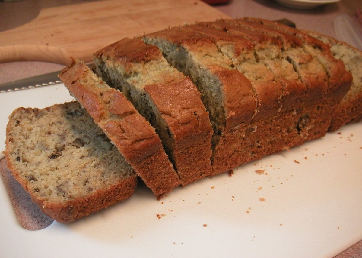 Home made banana bread, freshly sliced