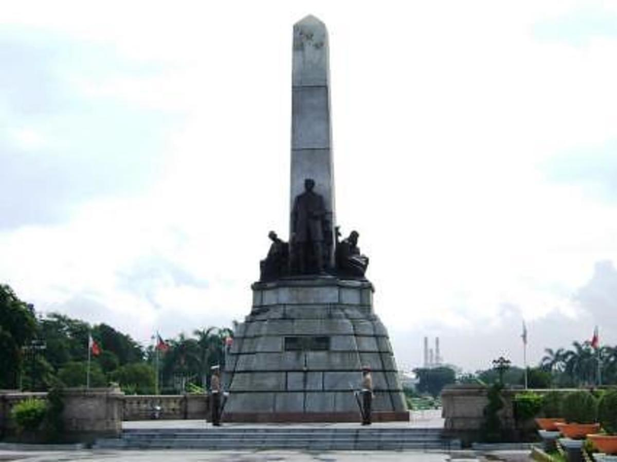 The Monument of Jose Rizal, the Philippines' national hero, at the Luneta Park in Manila, photographed by lenareh of webshots.com