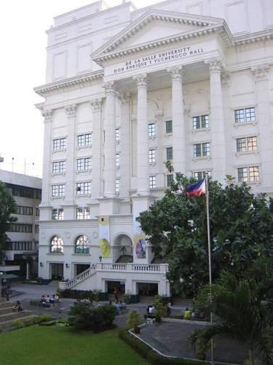 One of the main buildings of De La Salle University in Manila, photographed by fated2bme of webshots.com