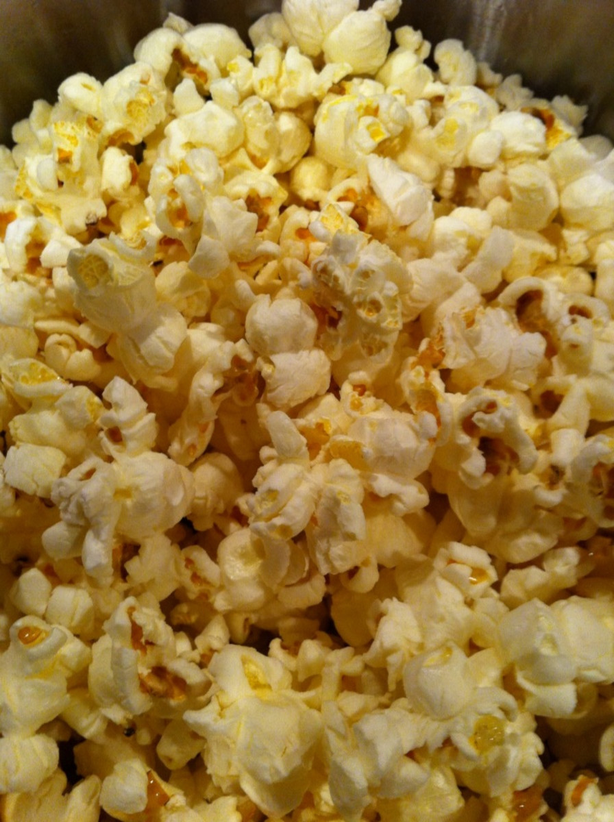 Fresh stove popped popcorn