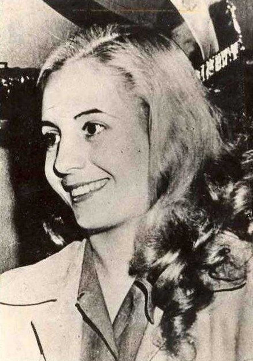 A very young and beautiful Evita