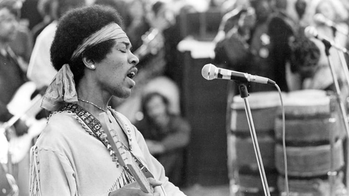Jimmi Hendrix at Woodstock