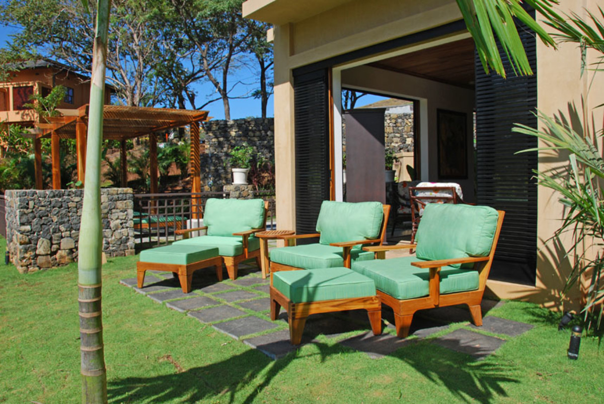 The outdoor living area of a single family home that can be rented in Playa Langosta/Tamarindo