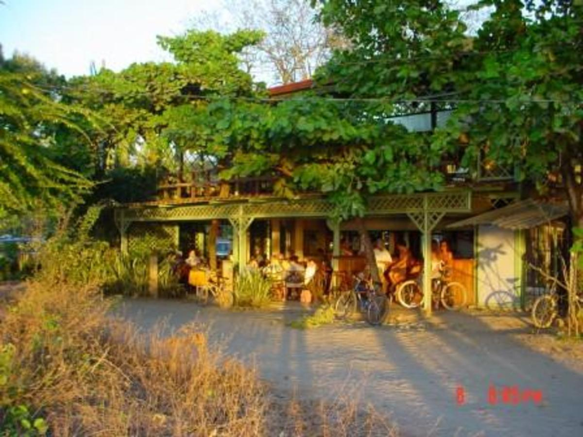Nogui's restaurant at the circle in Tamarindo - sunset