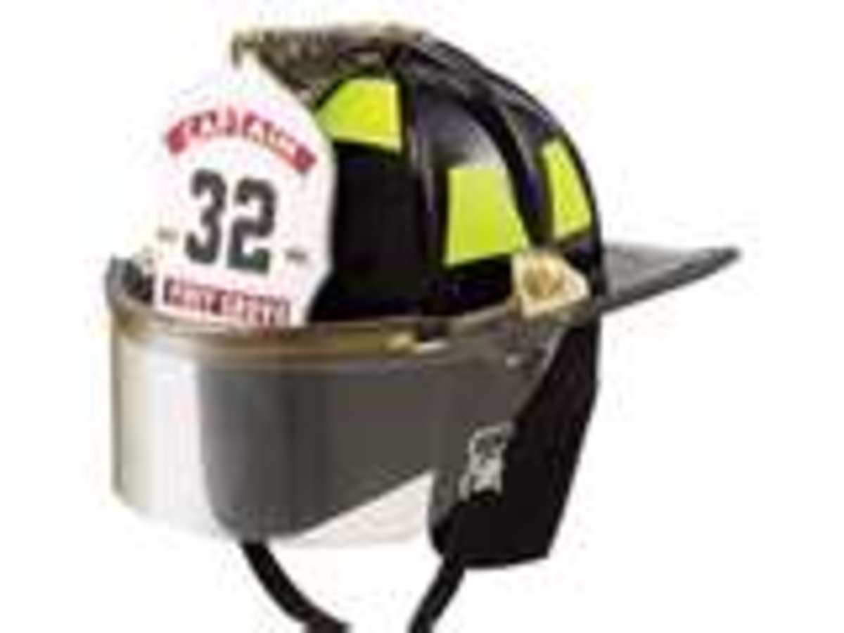 Modern helmet. Notice the faceshield and the ID Shield