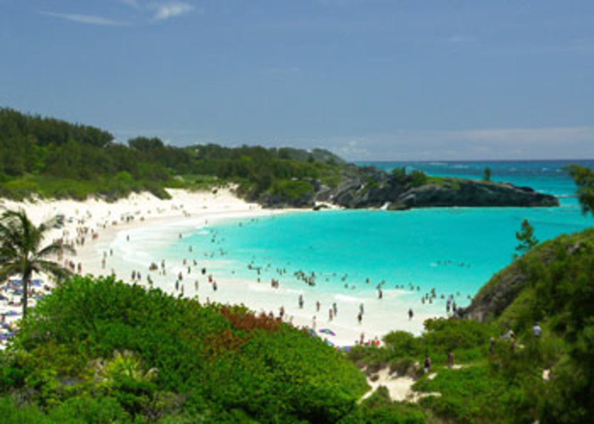 Horseshoe Bay Beach, just one of the beautiful beaches in Bermuda, a popular cruise destination for NY cruises