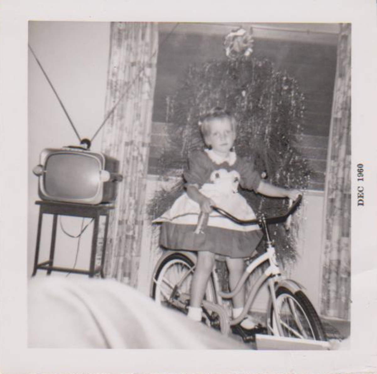 Ok I don't remember this Xmas but check out the tv and that tree