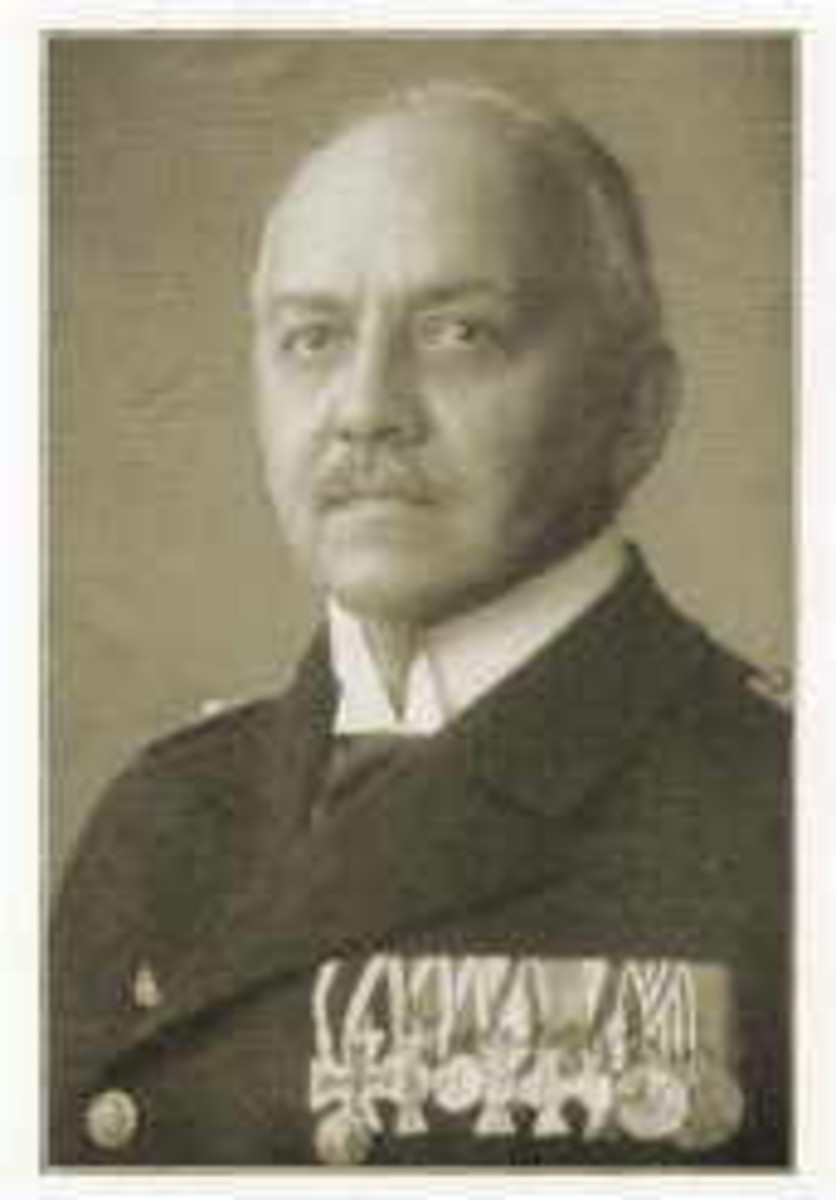 Max Looff, Captain of the Konigsberg