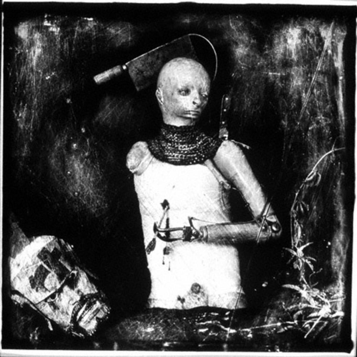 Figure 7. Un Santo Oscuro