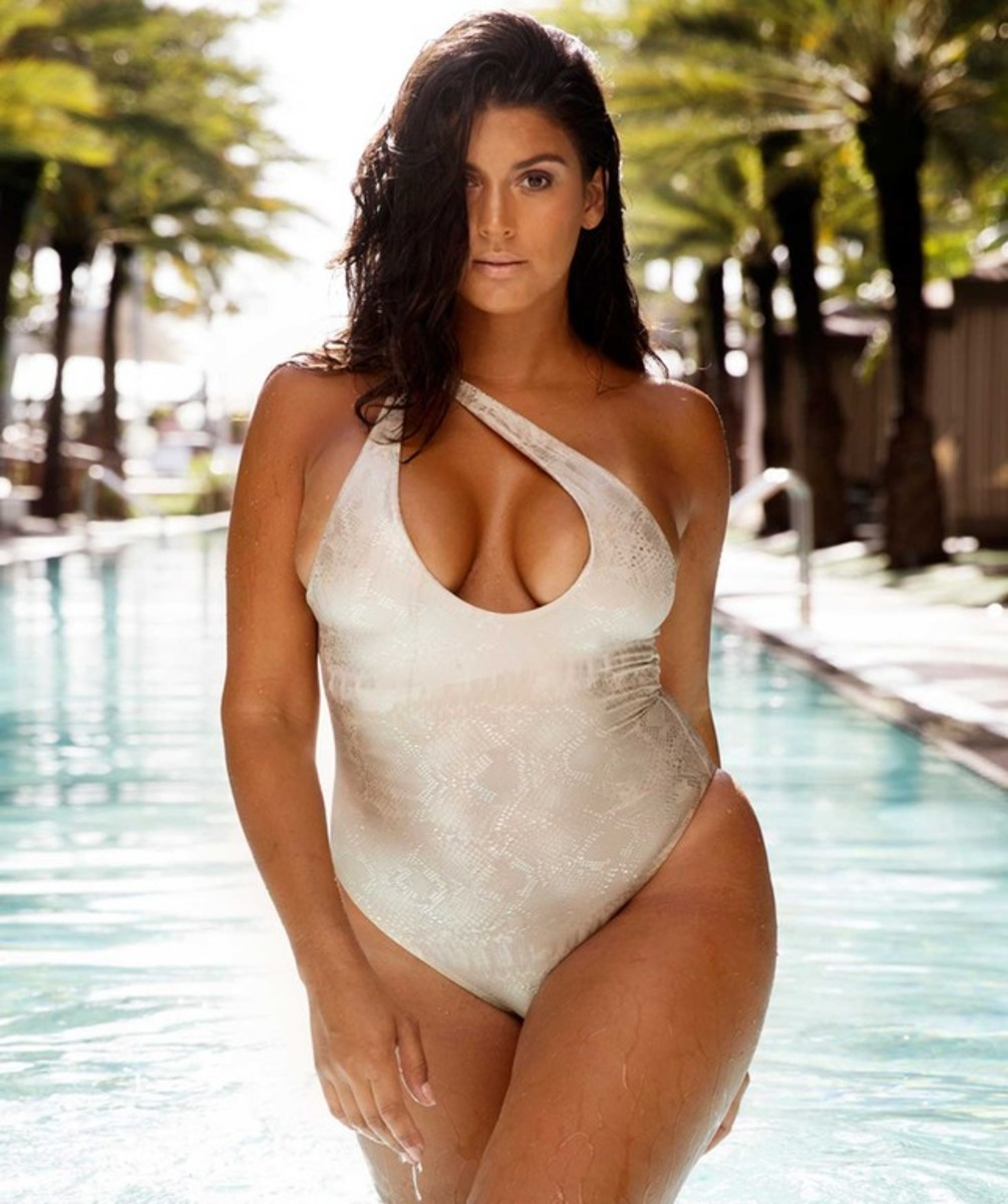 swimsuit-that-perfect-for-your-body-type